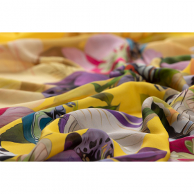 geel crepe zijde viscose panel met bloem dessin Italiaans import